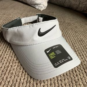 NWT NIKE SWOOSH VISOR- adjustable back